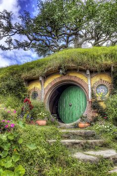 Bilbo's house at Hobbiton, NZ - HDR photo of the front of Bilbo's house at Hobbiton, NZ. Hobbit Door, The Hobbit, Tolkien, Casa Dos Hobbits, Fairytale House, Underground Homes, Nature Aesthetic, Fantasy Landscape, Fairy Houses