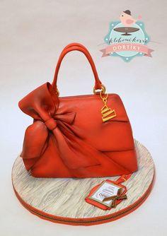 Valentino handbag - Cake by pavlo