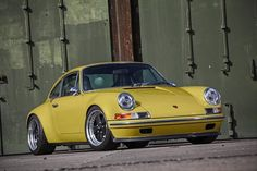 A celebration of worldwide Porsche culture for the modern day enthusiast Porsche Classic, Classic Cars, Porsche Sports Car, Porsche Cars, Custom Porsche, Expensive Sports Cars, Porsche 911 964, Porsche Carrera, Vintage Porsche