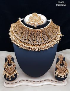 Bridal Jewellery Inspiration, Indian Bridal Jewelry Sets, Bridal Jewelry Vintage, Fancy Jewellery, Stylish Jewelry, Jewelry Design Earrings, Fashion Jewellery Online, Jewelry Model, Lahenga