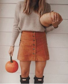 Cute fall look. Cord skirt and hunter boots- Cute fall look. Cord skirt and hunter boots Cute Fall Outfits, Fall Winter Outfits, Autumn Winter Fashion, Casual Outfits, Winter Clothes, Fall Skirt Outfits, October Outfits, Hunter Boots Outfit, Style Vintage
