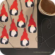Mum 2 2 boys: Nisser skal der til. Mum 2 2 boys: Nisser skal der til. Christmas Crafts For Kids, All Things Christmas, Christmas Fun, Christmas Mason Jars, Felt Christmas Ornaments, Gingerbread Man Coloring Page, Snowflake Craft, Diy Weihnachten, Diy And Crafts