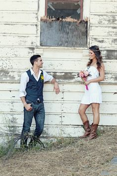Cute couple photo.  Love the rustic look.  Great photo idea!