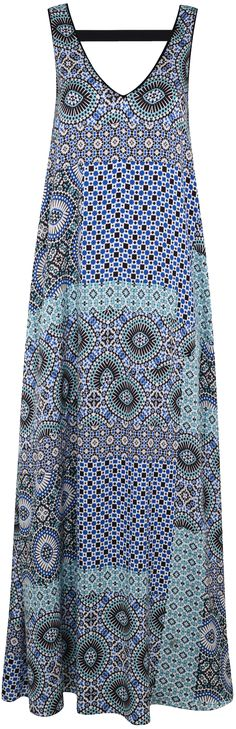 blue patchwork tile print maxi dress for summer - check out how the different prints blend together into a beautiful whole - read article - http://www.boomerinas.com/2015/05/14/moroccan-tile-print-maxi-dresses-tunics-for-women-over-40-50-60/