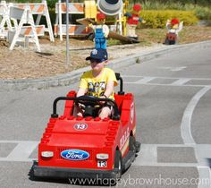 Tips for visting Legoland Florida for homeschool families. If you have a lego lover, you'll love these tips for discount Legoland tickets, staying cool, and more. Legoland Florida, Brown House, Driving School, Homeschool, Boys, Baby Boys, Driving Training School, Senior Boys, Homeschooling