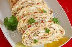 3 тонких армянских лаваша, рыбные консервы в масле (лосось или сайра) - 1 банка, яйца - 3 шт, сыр - 200 г, майонез, чеснок - 4 зубчика, зелень