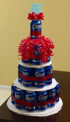 "Perfect 21st Birthday Present - Beer ""Cake""! Im going to make this for my boyfriend when he turns 21!"