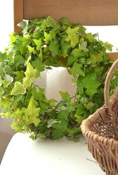 beautiful.quenalbertini: Leave's wreath