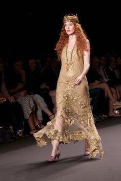 Anna SUi #SS14 #streetstyle #FONYFW #fashion #backstage #runway #NYFW #model #annasui