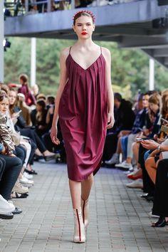IMRECZEOVA SS18 purple strapped dress 60 Degrees, Runway, Purple, Dresses, Fashion, Cat Walk, Vestidos, Moda, Walkway