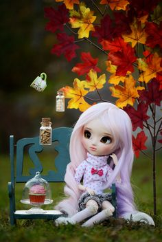 This afternoon Amanda had to make a difficult decision: What would she eat for a snack? There were too many delicious options. Blythe Dolls, Girl Dolls, Barbie Dolls, Cute Cartoon Wallpapers, Cartoon Pics, Pretty Dolls, Beautiful Dolls, Cute Halloween Makeup, Dolly Doll