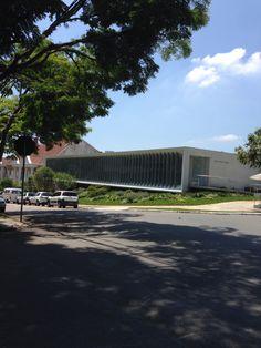 Instituto Ling - Porto alegre  Arq Isay weinfeld