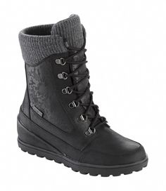 Women's Wedge Snow Boot #snowboots #DocMartensoutfit
