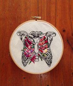 InherentlyRandom: flower embroidery on anatomical canvas - Ayenaz.Com- InherentlyRandom: Blumenstickerei auf anatomischer Leinwand – Ayenaz.Com InherentlyRandom: floral embroidery on anatomical … - Embroidery Designs, Hand Embroidery Stitches, Floral Embroidery, Cross Stitch Embroidery, Felt Embroidery, Embroidery Techniques, Knitting Stitches, Machine Embroidery, Embroidery Digitizing