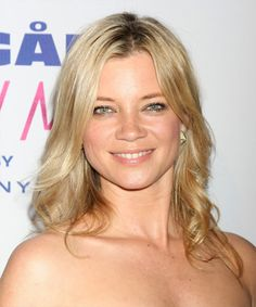 View yourself with this Amy Smart Long Wavy Light Golden Blonde Hairstyle Amy Smart, Smart Hairstyles, Casual Hairstyles, Golden Blonde Hair, Short Blonde, Hair Density, Long Wavy Hair, Blonde Women, Light Blonde