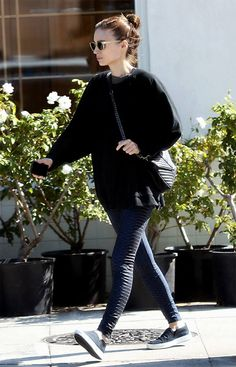 ROONEY MARA IS WEARING THE SAINT LAURENT CLASSIC COLLÈGE MONOGRAM BAG IN BLACK MATELASSÉ LEATHER
