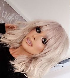 This year medium haircut is about soft natural lines and timeless sophisticated style. The medium hairstyle can be very diverse and one of the most versatile haircuts. These hairstyles suite very age - young and old. Whether you go for the bohemian messy waves or for a polished look a shoulder-length haircut is