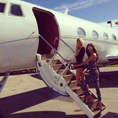 Jet setting & Jet set Travel in style: http://jetsetbabe.com