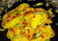 Great recipe for Surti locho recipe (Gujarati Street food recipe). This is a Gujarati Street Food. Indian Veg Recipes, Gujarati Recipes, Gujarati Food, Lunch Recipes, Great Recipes, Vegetarian Recipes, Cooking Recipes, Green Chutney, Indian Street Food