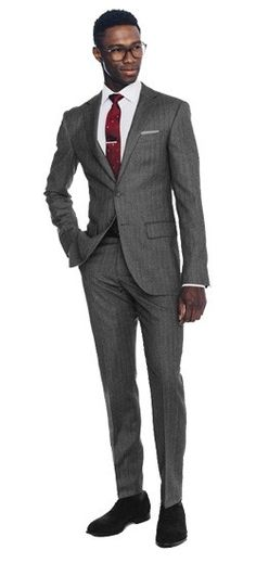 Level up your linen game with the Charcoal Herringbone Linen Suit. You can take its refined look and well structured fabric anywhere.