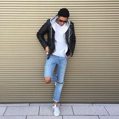 2016-11-21のファッションスナップ。着用アイテム・キーワードはスニーカー, ダブルライダースジャケット, デニム, ニットキャップ, パーカー, ライダースジャケット, 無地Tシャツ, 白Tシャツ, Tシャツ,アディダス(adidas)etc. 理想の着こなし・コーディネートがきっとここに。| No:178783
