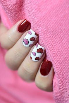 Sticky hearts - Valentine's Day nail art