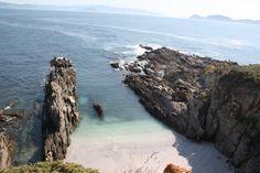 Una playa en Cabo Home. Península del Morrazo. Galicia.