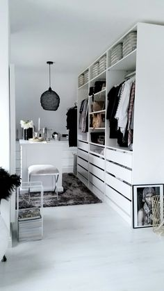ikea pax ankleidezimmer inspiration weiss ikea pax dressing room inspiration white The post ikea pax dressing room inspiration white appeared first on Dekoration. Ikea Closet, Closet Bedroom, Bedroom Decor, Ikea Bedroom, Master Closet, Bedroom Furniture, Deco Furniture, Bag Closet, Closet Space