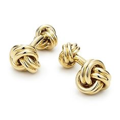 Knot cuff links in 18k gold.
