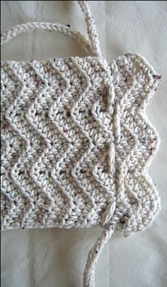 Easy-Peasy Crochet Purse w/drawstrings: free pattern