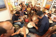 kunum travel cafe-amazing quaint cafe in new delhi with free wifi dedicated to travel