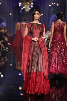 Lakme Fashion Week Winter 2014 - Manish Malhotra - Indian Wedding Site Home - Indian Wedding Site - Indian Wedding Vendors, Clothes, Invitations, and Pictures. Lakme Fashion Week, India Fashion, Ethnic Fashion, Asian Fashion, Women's Fashion, Indian Attire, Indian Wear, Indian Style, Indian Ethnic