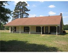 Call David Beckham at 318.528.7171 to view this remodeled 4 Bedroom, 2 Bath home, with office, situated on almost 5 acres. Ceramic flooring, fireplace and updated finishes. Country quiet with city convenience. Ideal location for BOP and P&G employees. Qualifies for RD. www.listings318,com