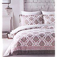 Bohemian Bedding Sets Discover the best boho bedding, comforters, quilts, duvet covers, and more for your bedroom. If you love bohemian themed bedding sets then this list is perfect for you. Shabby Chic Bedding Sets, Gold Bedding Sets, Beach Bedding Sets, Bohemian Bedding Sets, Boho Comforters, Bedding Sets Online, Boho Bedding, Luxury Bedding Sets, Hippie Bedding