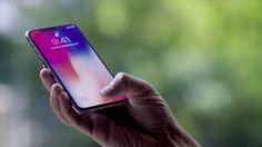 iPhone X è uscito sul mercato da solo una settimana, ma il dispositivo sembra avere il suo primo grande errore hardware. Alcuni dei primi proprietari del nuovo iPhone, infatti, hanno segnalato un problema che appare sullo schermo del loro costosissimo device. Linea verde su iPhone X Una sottile ...