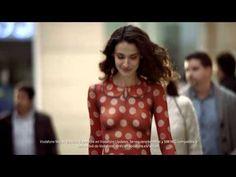 """"""" Una antigua campaña de #Vodafone para promocionar el #SamsungGalaxyS4 muestra que """"""""no traer nada significa traer todo"""""""".  Esta campaña promueve el #S4 como un accesorio mucho mejor que una cartera, pues con el puedes realizar todo tipo de pag. #Campañas #Publicidad #Samsung """""""