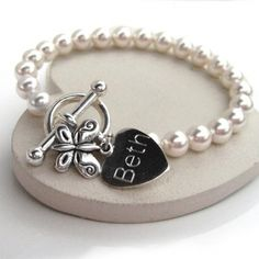Engraved Butterfly Pearl Bracelet a beautiful gift for any little girl on her birthday #birthday #party | The Gift Experience https://www.thegiftexperience.co.uk/
