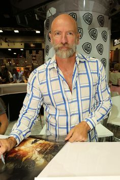 """""""The Hobbit: The Battle of the Five Armies"""" /// Comic-Con International 2014 on July 2014 in San Diego, California. Graham Mctavish, Diana Gabaldon, Outlander Characters, Jaime Fraser, Outlander Casting, Outlander Tv Series, Geek Squad, Jamie And Claire, San Diego Comic Con"""