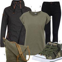 Schwarz-Grünes Damenoutfit mit Jeans, Shirt und Sneakern (w1025) #grün #schwarz #sneaker #camouflage #naketano #outfit #style #frau #damen #mode #fashion #womensfashion #womensstyle #womenswear #frauenmode #damenmode #inspiration #frauenoutfit #damenoutfit
