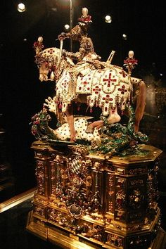 Renaissance Saint George's statue in the Treasury (Schatzkammer) of the Munich Residence.(gold, enamel, silver-gilt, diamonds, rubies, by geneva