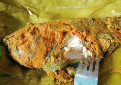Pepes ikan mas Indonesian Food, Meatloaf, Seafood Recipes, Pork, Food And Drink, Fish, Cooking, Pork Roulade, Cuisine