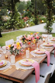Are you ready for one of the most trendy & colorful weddings? using a color palette inspired by bright citrus fruits and plenty of patterns, succulents