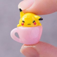 Little Pikachu napping in a tiny cup! Polymer Clay Kawaii, Fimo Clay, Polymer Clay Charms, Polymer Clay Art, Polymer Clay Figures, Polymer Clay Miniatures, Polymer Clay Creations, Clay Projects, Clay Crafts