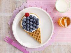 Waffles/pancakes, yogurt and fruit cones