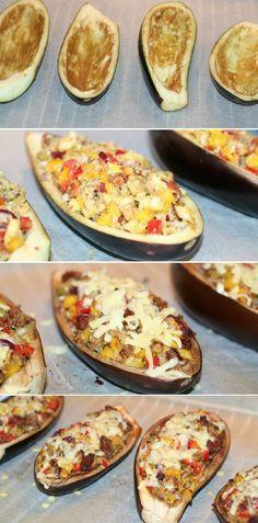Fuldstændig forrygende fyldte auberginer med bl.a. peberfrugt, pesto og revet ost. Mums, det er godt.