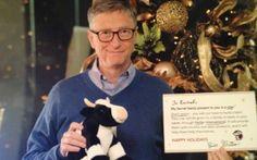 Bill Gates regaló un peluche y un libro a joven que quería un iPad http://www.audienciaelectronica.net/2013/12/20/bill-gates-regalo-un-peluche-y-un-libro-a-joven-que-queria-un-ipad/