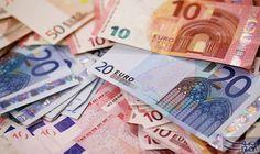 سعر الدولار الأميركي مقابل اليورو الاربعاء: 1 يورو = 1.1850 دولار أمريكي 1 دولار أمريكي = 0.8439 يورو
