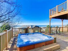 Enjoy gorgeous ocean view decks, a private... - HomeAway Roads End