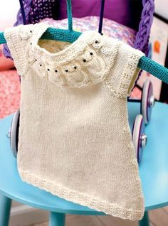 Knitting vest children baby cardigan New Ideas Knitting For Kids, Baby Knitting Patterns, Baby Patterns, Baby Vest, Baby Cardigan, Baby Boy Outfits, Kids Outfits, Baby Barn, Baby Kind