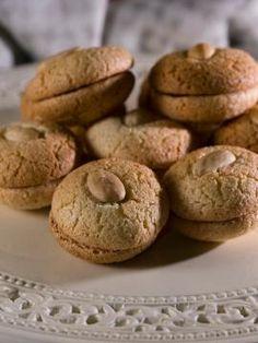 Εργολάβοι Greek Sweets, Greek Desserts, Greek Recipes, Fun Desserts, Dessert Recipes, Brownie Recipes, Cookie Recipes, Greek Cookies, Eat Greek